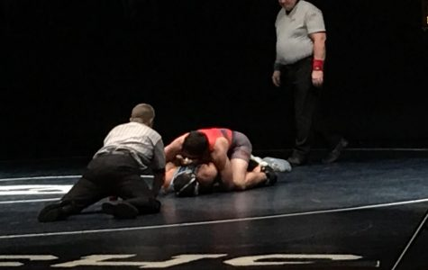 Dramatic pin highlights wrestling win over Plainfield South