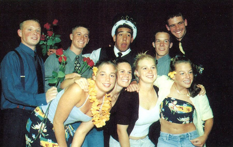 Students+and+announcers+pose+for+a+picture+after+the+Mr.+Indian+contest+during+the+1999+Homecoming+Week.+Dave+Ziebler+was+the+winner.+