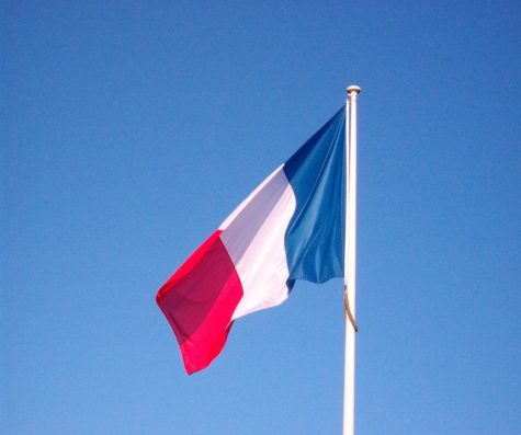 Students experience French culture in FNHS